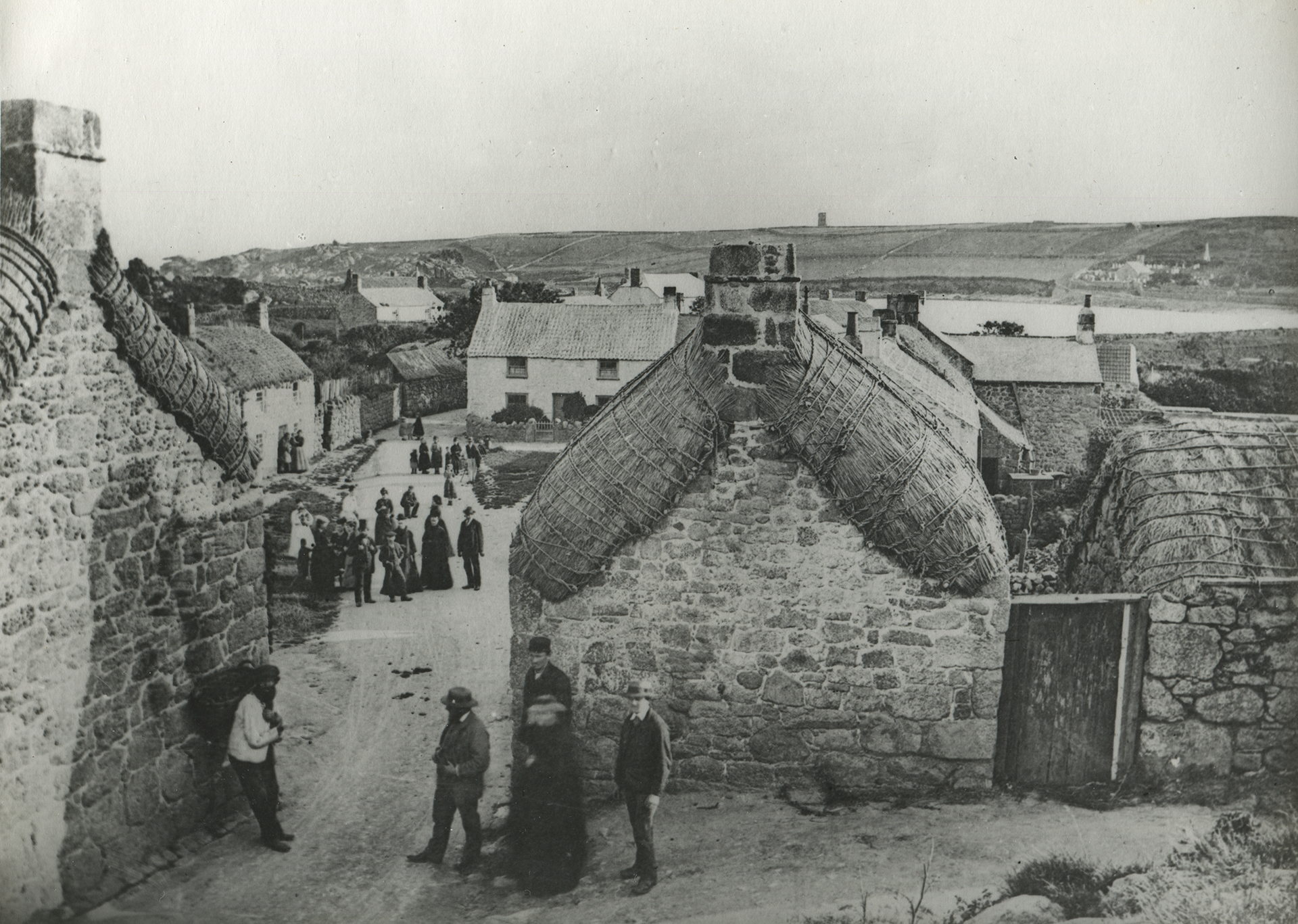 Old Town when cottages were thatched © Gibsons